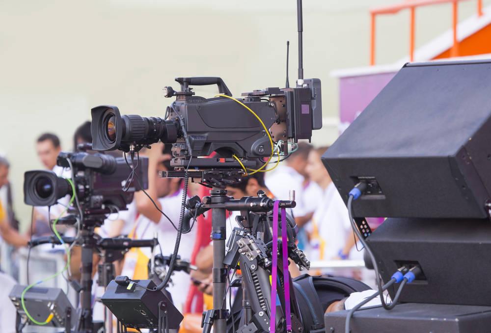 Proveedores de servicios y material en un proyecto audiovisual