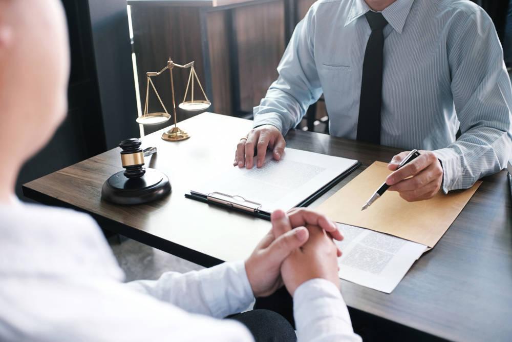 Razones por las que una empresa precisa de abogado